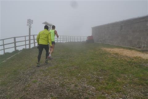 TRAIL di PIZZO San Michele N°3157 FOTO scattate a raffica in VETTA da Peppe Dalessio con nebbia e gran freddo - foto 2