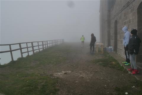TRAIL di PIZZO San Michele N°3157 FOTO scattate a raffica in VETTA da Peppe Dalessio con nebbia e gran freddo - foto 17