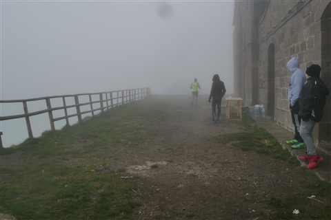 TRAIL di PIZZO San Michele N°3157 FOTO scattate a raffica in VETTA da Peppe Dalessio con nebbia e gran freddo - foto 18