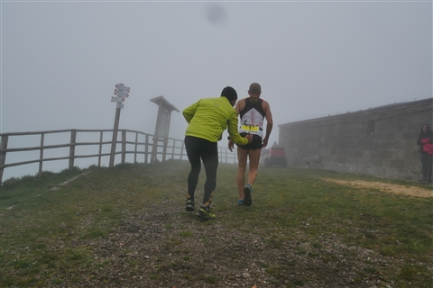 TRAIL di PIZZO San Michele N°3157 FOTO scattate a raffica in VETTA da Peppe Dalessio con nebbia e gran freddo - foto 38