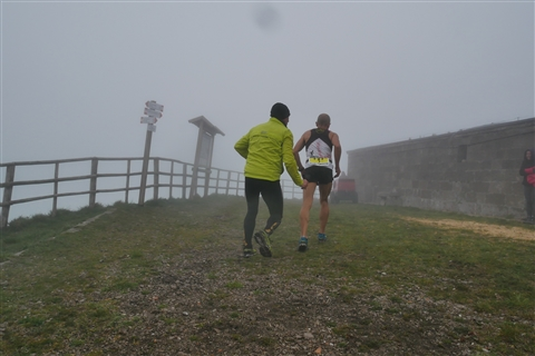 TRAIL di PIZZO San Michele N°3157 FOTO scattate a raffica in VETTA da Peppe Dalessio con nebbia e gran freddo - foto 40