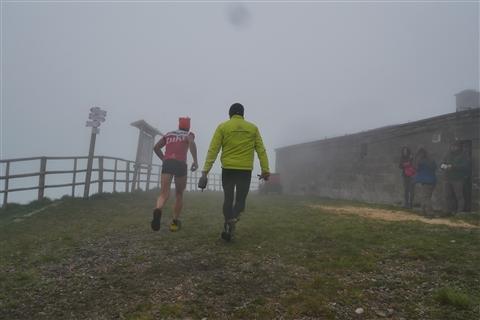 TRAIL di PIZZO San Michele N°3157 FOTO scattate a raffica in VETTA da Peppe Dalessio con nebbia e gran freddo - foto 135