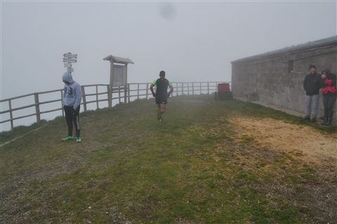 TRAIL di PIZZO San Michele N°3157 FOTO scattate a raffica in VETTA da Peppe Dalessio con nebbia e gran freddo - foto 317