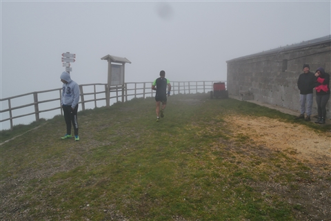 TRAIL di PIZZO San Michele N°3157 FOTO scattate a raffica in VETTA da Peppe Dalessio con nebbia e gran freddo - foto 318