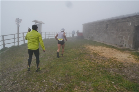 TRAIL di PIZZO San Michele N°3157 FOTO scattate a raffica in VETTA da Peppe Dalessio con nebbia e gran freddo - foto 362