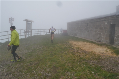 TRAIL di PIZZO San Michele N°3157 FOTO scattate a raffica in VETTA da Peppe Dalessio con nebbia e gran freddo - foto 370