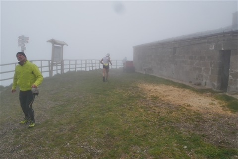 TRAIL di PIZZO San Michele N°3157 FOTO scattate a raffica in VETTA da Peppe Dalessio con nebbia e gran freddo - foto 373