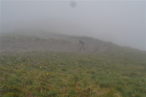 TRAIL di PIZZO San Michele N°3157 FOTO scattate a raffica in VETTA da Peppe Dalessio con nebbia e gran freddo - foto 375