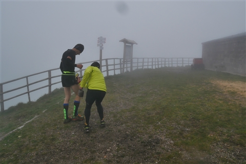 TRAIL di PIZZO San Michele N°3157 FOTO scattate a raffica in VETTA da Peppe Dalessio con nebbia e gran freddo - foto 411