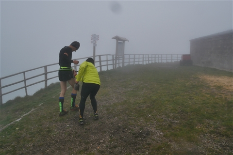TRAIL di PIZZO San Michele N°3157 FOTO scattate a raffica in VETTA da Peppe Dalessio con nebbia e gran freddo - foto 412