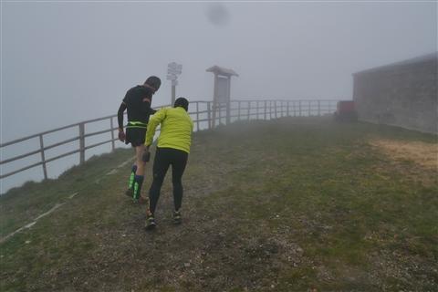 TRAIL di PIZZO San Michele N°3157 FOTO scattate a raffica in VETTA da Peppe Dalessio con nebbia e gran freddo - foto 416