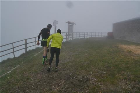 TRAIL di PIZZO San Michele N°3157 FOTO scattate a raffica in VETTA da Peppe Dalessio con nebbia e gran freddo - foto 417