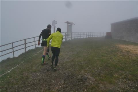 TRAIL di PIZZO San Michele N°3157 FOTO scattate a raffica in VETTA da Peppe Dalessio con nebbia e gran freddo - foto 418