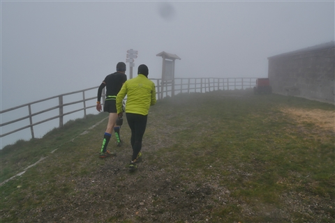 TRAIL di PIZZO San Michele N°3157 FOTO scattate a raffica in VETTA da Peppe Dalessio con nebbia e gran freddo - foto 419