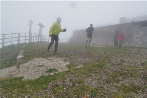 TRAIL di PIZZO San Michele N°3157 FOTO scattate a raffica in VETTA da Peppe Dalessio con nebbia e gran freddo - foto 511