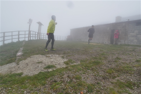 TRAIL di PIZZO San Michele N°3157 FOTO scattate a raffica in VETTA da Peppe Dalessio con nebbia e gran freddo - foto 515