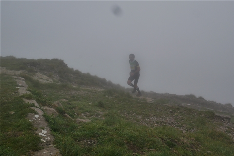 TRAIL di PIZZO San Michele N°3157 FOTO scattate a raffica in VETTA da Peppe Dalessio con nebbia e gran freddo - foto 632