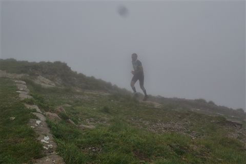 TRAIL di PIZZO San Michele N°3157 FOTO scattate a raffica in VETTA da Peppe Dalessio con nebbia e gran freddo - foto 633