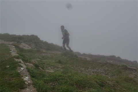 TRAIL di PIZZO San Michele N°3157 FOTO scattate a raffica in VETTA da Peppe Dalessio con nebbia e gran freddo - foto 640