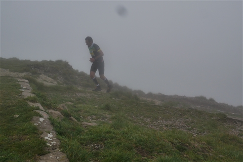 TRAIL di PIZZO San Michele N°3157 FOTO scattate a raffica in VETTA da Peppe Dalessio con nebbia e gran freddo - foto 646