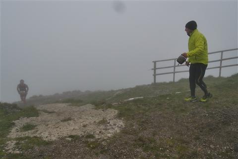 TRAIL di PIZZO San Michele N°3157 FOTO scattate a raffica in VETTA da Peppe Dalessio con nebbia e gran freddo - foto 667