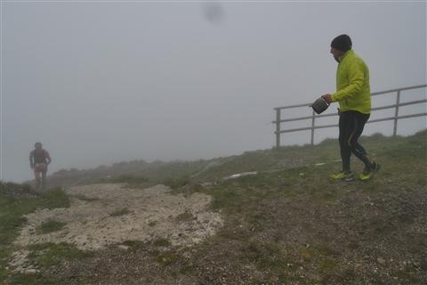 TRAIL di PIZZO San Michele N°3157 FOTO scattate a raffica in VETTA da Peppe Dalessio con nebbia e gran freddo - foto 668