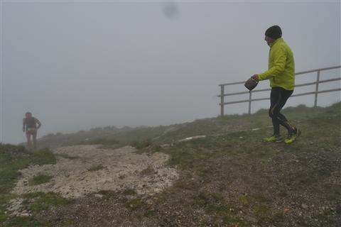 TRAIL di PIZZO San Michele N°3157 FOTO scattate a raffica in VETTA da Peppe Dalessio con nebbia e gran freddo - foto 669