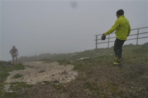 TRAIL di PIZZO San Michele N°3157 FOTO scattate a raffica in VETTA da Peppe Dalessio con nebbia e gran freddo - foto 672