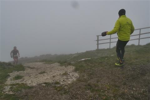TRAIL di PIZZO San Michele N°3157 FOTO scattate a raffica in VETTA da Peppe Dalessio con nebbia e gran freddo - foto 673