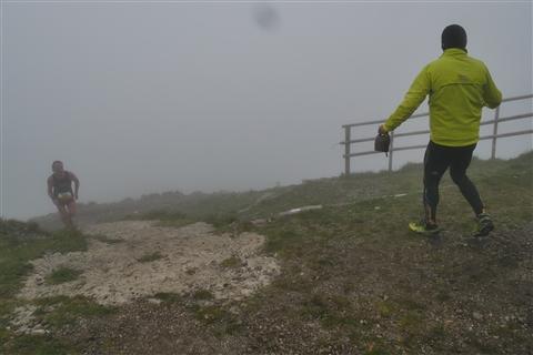 TRAIL di PIZZO San Michele N°3157 FOTO scattate a raffica in VETTA da Peppe Dalessio con nebbia e gran freddo - foto 676