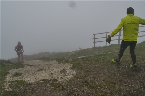 TRAIL di PIZZO San Michele N°3157 FOTO scattate a raffica in VETTA da Peppe Dalessio con nebbia e gran freddo - foto 678