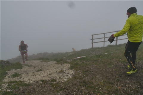 TRAIL di PIZZO San Michele N°3157 FOTO scattate a raffica in VETTA da Peppe Dalessio con nebbia e gran freddo - foto 682