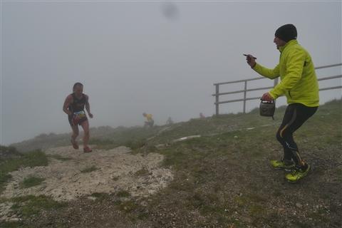 TRAIL di PIZZO San Michele N°3157 FOTO scattate a raffica in VETTA da Peppe Dalessio con nebbia e gran freddo - foto 689