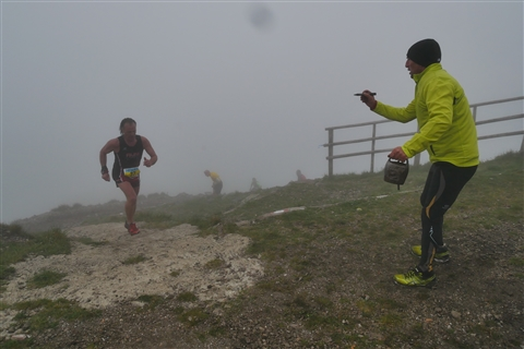 TRAIL di PIZZO San Michele N°3157 FOTO scattate a raffica in VETTA da Peppe Dalessio con nebbia e gran freddo - foto 691