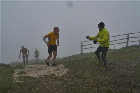 TRAIL di PIZZO San Michele N°3157 FOTO scattate a raffica in VETTA da Peppe Dalessio con nebbia e gran freddo - foto 711