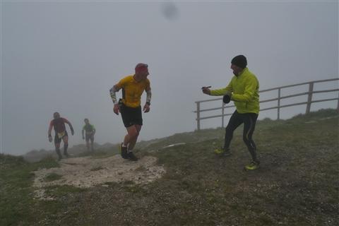 TRAIL di PIZZO San Michele N°3157 FOTO scattate a raffica in VETTA da Peppe Dalessio con nebbia e gran freddo - foto 712