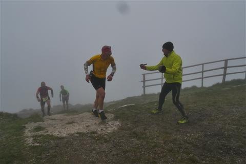 TRAIL di PIZZO San Michele N°3157 FOTO scattate a raffica in VETTA da Peppe Dalessio con nebbia e gran freddo - foto 713