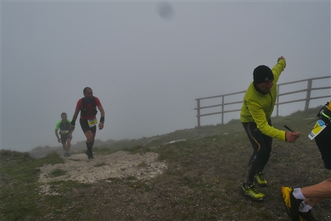 TRAIL di PIZZO San Michele N°3157 FOTO scattate a raffica in VETTA da Peppe Dalessio con nebbia e gran freddo - foto 735