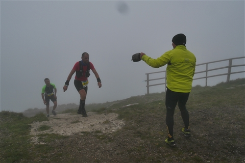 TRAIL di PIZZO San Michele N°3157 FOTO scattate a raffica in VETTA da Peppe Dalessio con nebbia e gran freddo - foto 743