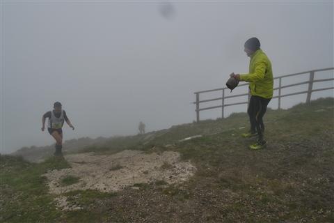 TRAIL di PIZZO San Michele N°3157 FOTO scattate a raffica in VETTA da Peppe Dalessio con nebbia e gran freddo - foto 799