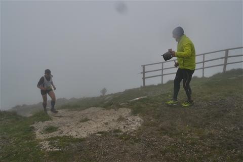 TRAIL di PIZZO San Michele N°3157 FOTO scattate a raffica in VETTA da Peppe Dalessio con nebbia e gran freddo - foto 802
