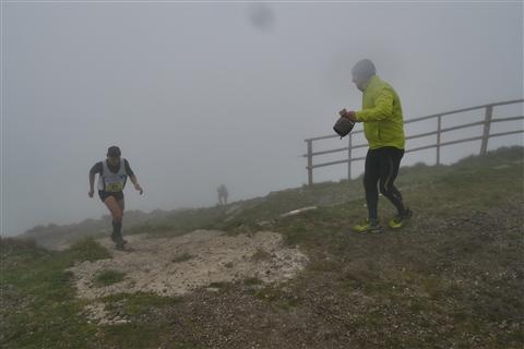 TRAIL di PIZZO San Michele N°3157 FOTO scattate a raffica in VETTA da Peppe Dalessio con nebbia e gran freddo - foto 805