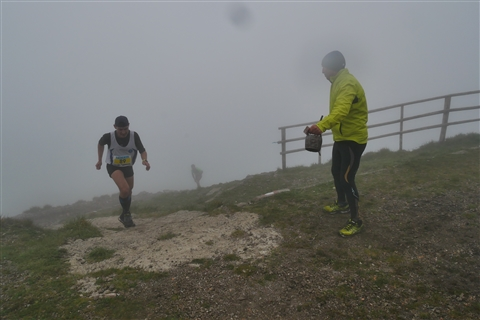 TRAIL di PIZZO San Michele N°3157 FOTO scattate a raffica in VETTA da Peppe Dalessio con nebbia e gran freddo - foto 811