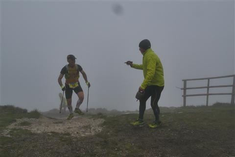 TRAIL di PIZZO San Michele N°3157 FOTO scattate a raffica in VETTA da Peppe Dalessio con nebbia e gran freddo - foto 857