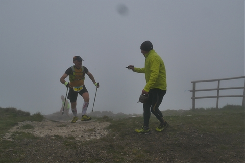 TRAIL di PIZZO San Michele N°3157 FOTO scattate a raffica in VETTA da Peppe Dalessio con nebbia e gran freddo - foto 858