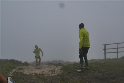 TRAIL di PIZZO San Michele N°3157 FOTO scattate a raffica in VETTA da Peppe Dalessio con nebbia e gran freddo - foto 895