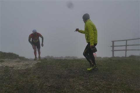 TRAIL di PIZZO San Michele N°3157 FOTO scattate a raffica in VETTA da Peppe Dalessio con nebbia e gran freddo - foto 953