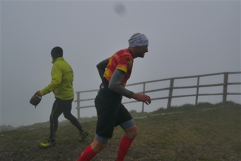 TRAIL di PIZZO San Michele N°3157 FOTO scattate a raffica in VETTA da Peppe Dalessio con nebbia e gran freddo - foto 977