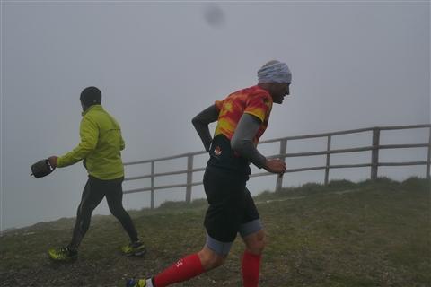 TRAIL di PIZZO San Michele N°3157 FOTO scattate a raffica in VETTA da Peppe Dalessio con nebbia e gran freddo - foto 978
