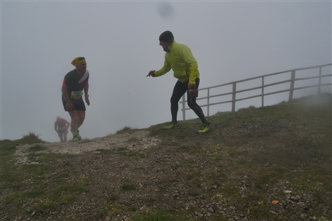 TRAIL di PIZZO San Michele N°3157 FOTO scattate a raffica in VETTA da Peppe Dalessio con nebbia e gran freddo - foto 1024